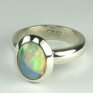 RA100 äthiopischer Opal 39 8x11 oval transparent