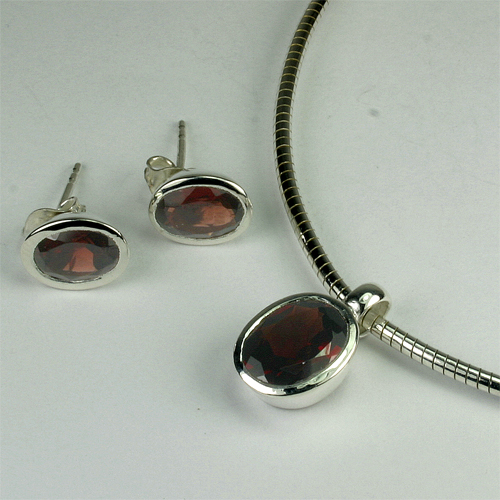 Set Granat oval 8x10 mm