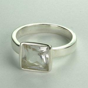 RA233 Bergkristall 8x8 mm