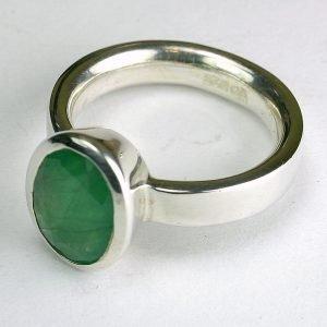 RA110-1 Smaragd 33 8x10 mm oval