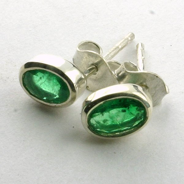 SM187 Smaragd 19 4x6 mm oval