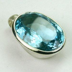 AN89-04 Blauer Topas 14 13x18 oval