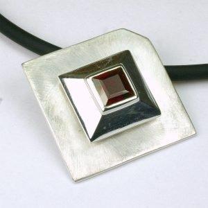 AN138 Granat matt