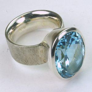 RA210-5 Blauer Topas 10 15x20 mm oval